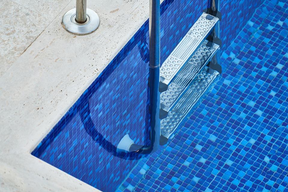 bazénový žebřík