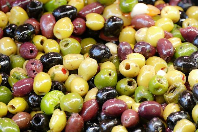 olivy na trhu.jpg