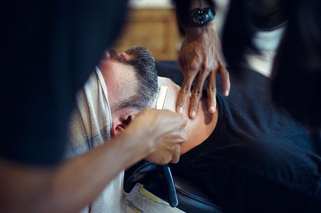 Muži znají fígle na péči o vousy