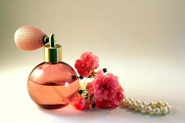 Parfém s růží