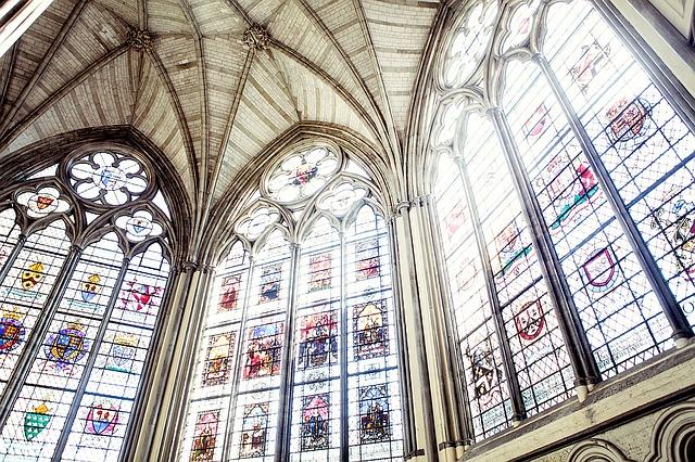 Vitráž v kostele
